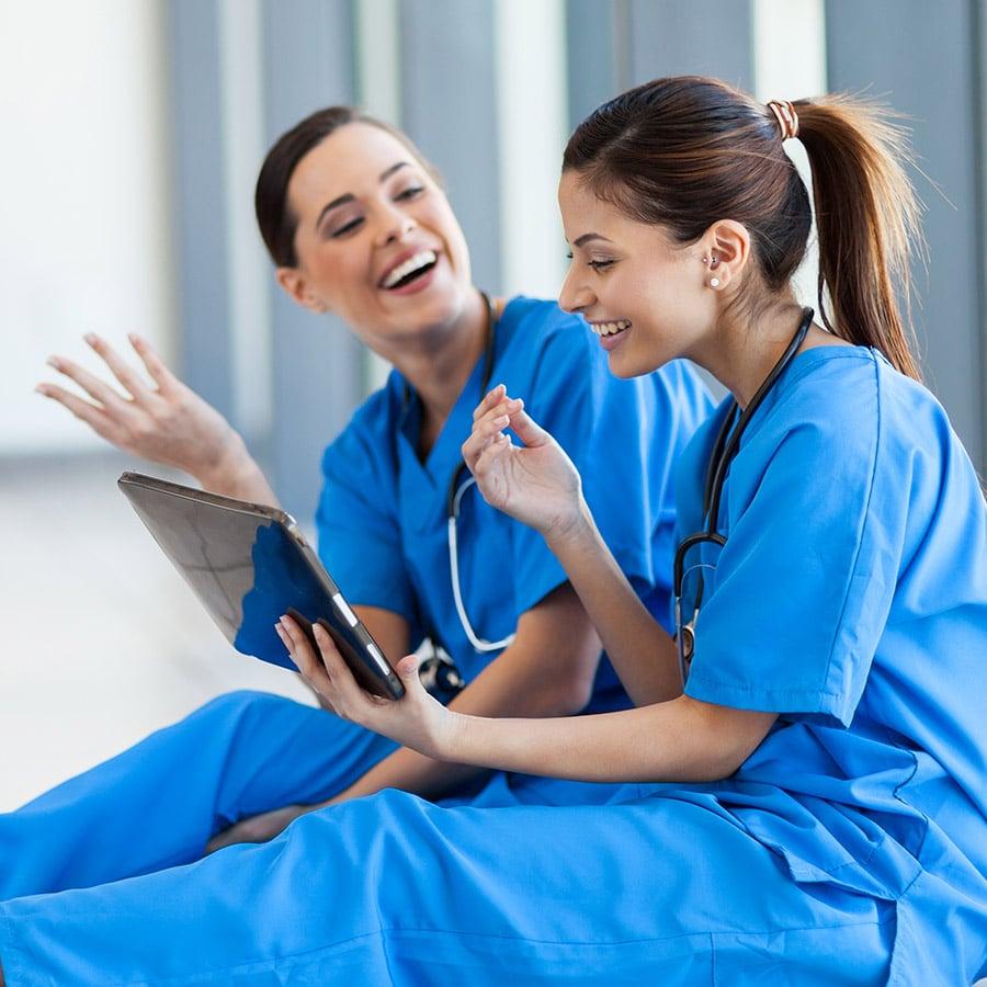 Hand und Herz - Mitarbeiter werben Mitarbeiter